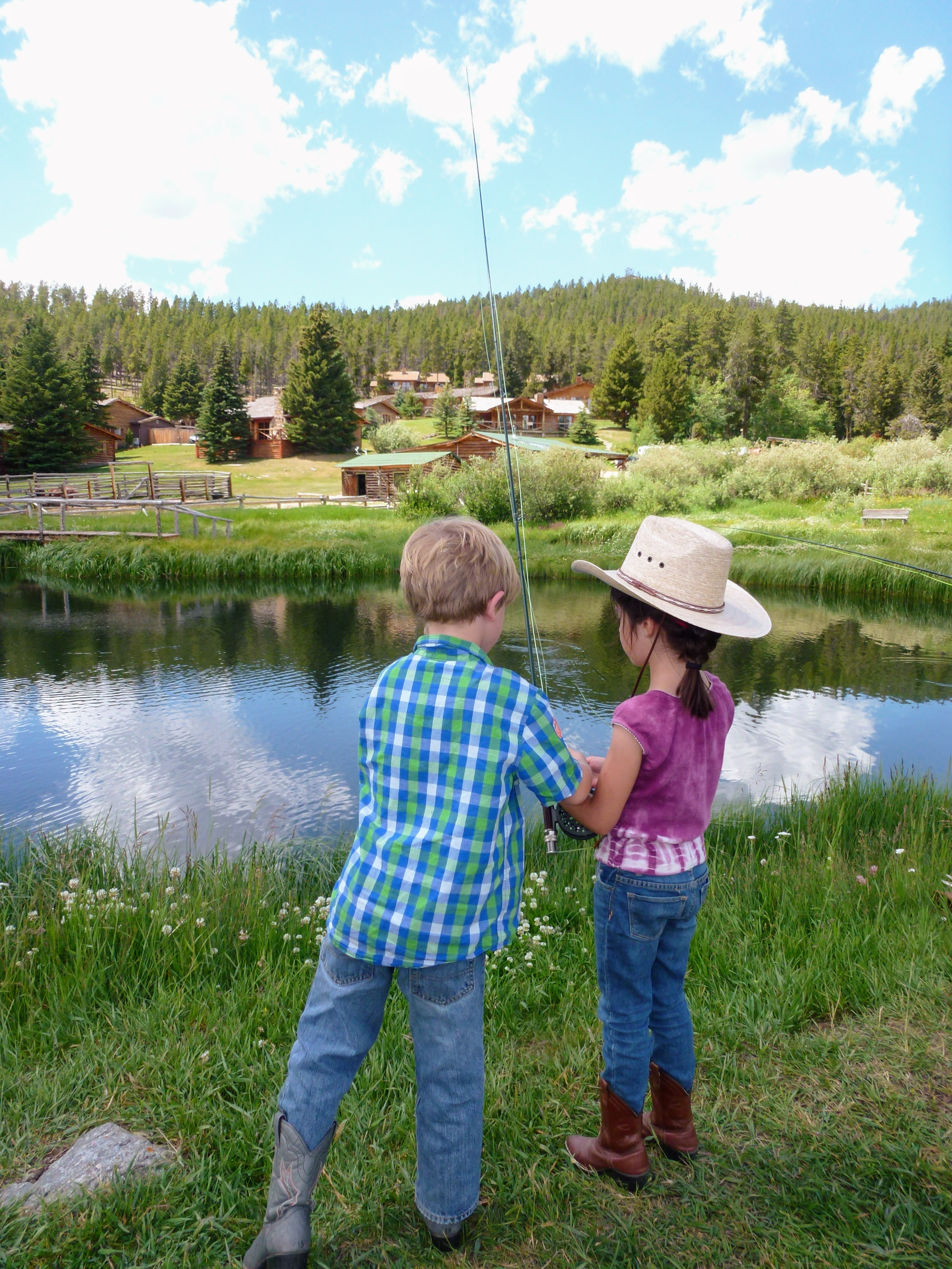 kids fishing lesson paradise guest ranch wyoming p1040317